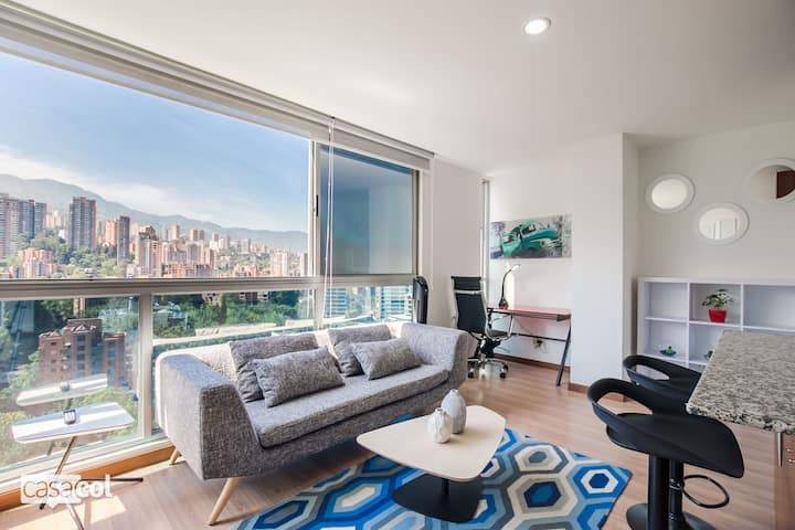 Blux #1401 Stunning Views-Location-Ultra Clean !