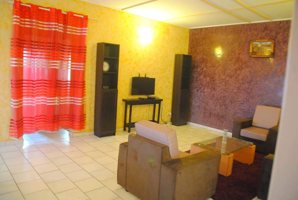 R sidence c e home luxueux appartements meubl s for Meuble tv yaounde