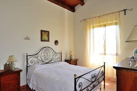 Agriturismo vicino Palermo Paradiso - Palazzo Adriano
