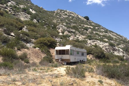 Land to pitch tent/off-grid trailer