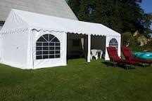 Ferien im großen Wohnwagen am Waldsee