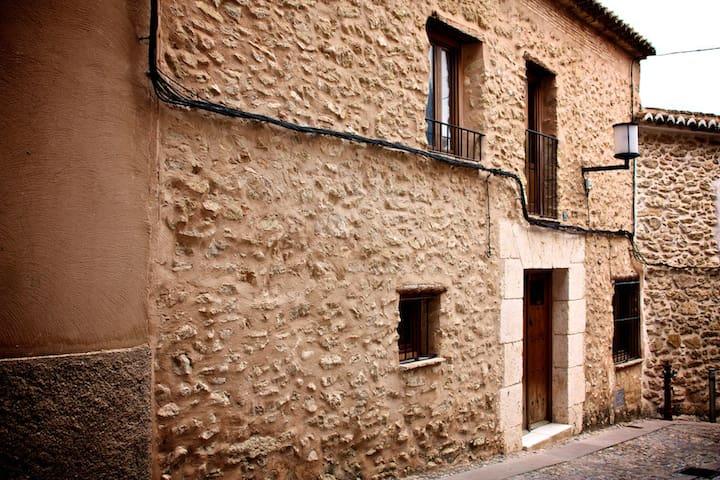 Casa mediaval en el centro historico - Bocairent - House
