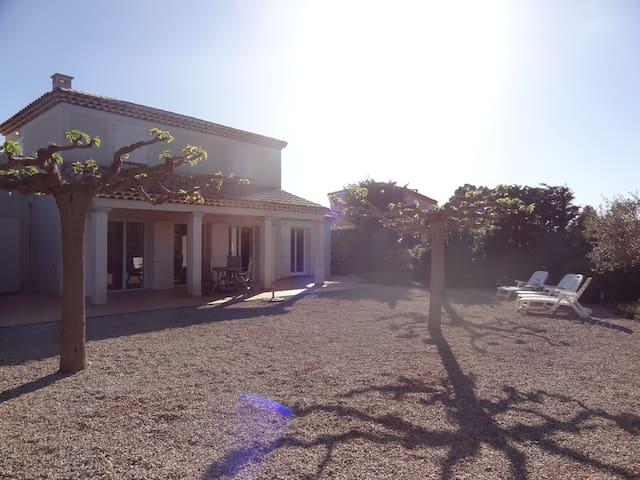Calme et Espace en Provence verte - Nans-les-Pins - Villa
