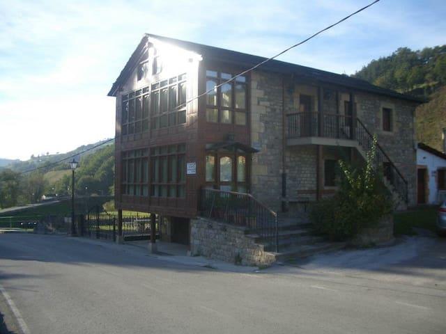 Casa Rural Campogiro (Vega de Pas)