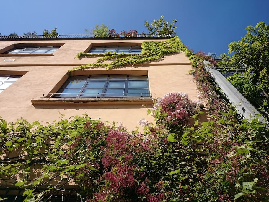 Central 500 sq m loft roof garden lofts for rent in for Roof garden milano