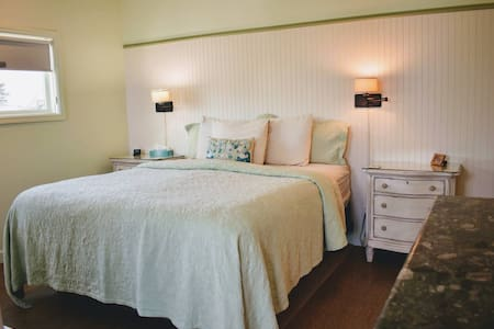 Garden Suite-Beach Views-Downtown Cayucos