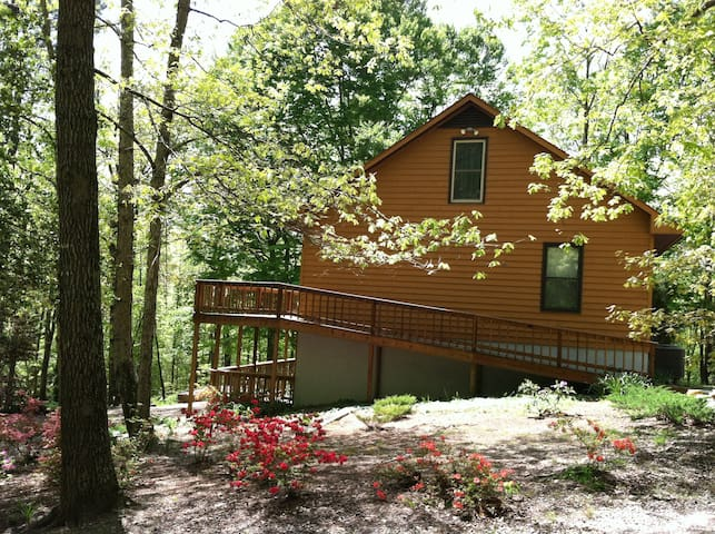 Private woodland home just off Rt60 - Lanexa - Huis