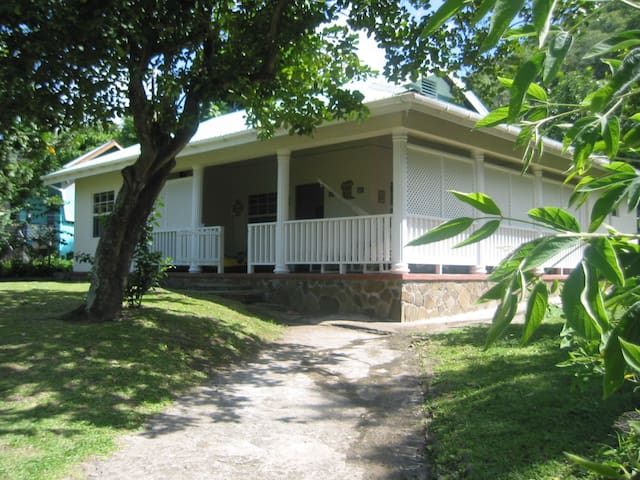 The Hummingbird Beach House, Bequia - Lower Bay - Casa