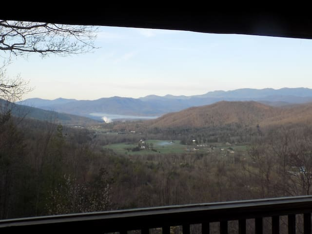 Family Mountain Home, Spectacular 45 Mile Views - Marion - Cabin