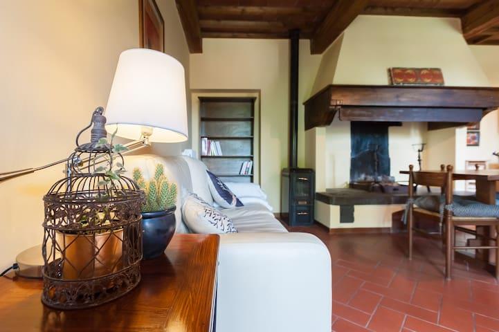 Guido's House - Parking & Wifi - Castiglion fiorentino - Apartment