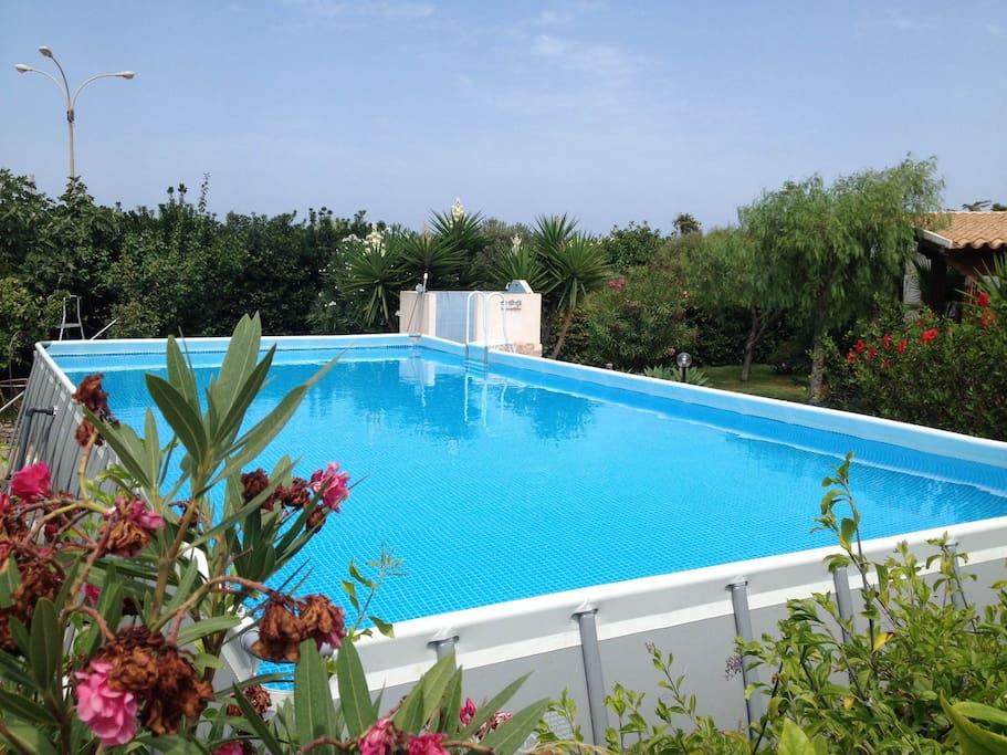 Villa ada con piscina privata villas for rent in san - Villa con piscina sicilia ...