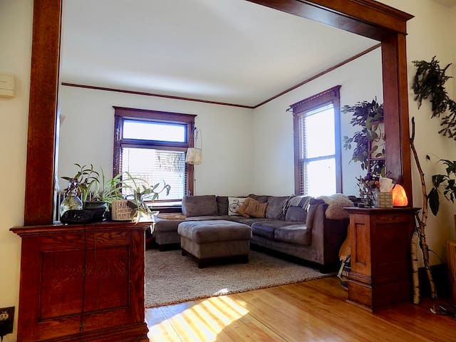 Entire 3 Bedroom flat with large fenced in yard