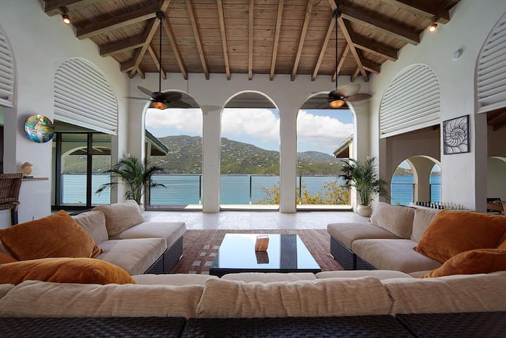 Magens Bay luxury villa, beach, pool, ping-pong +