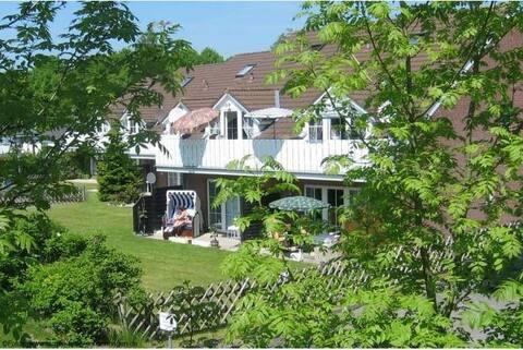 Ferienwohnung mit Terrasse & Garten in Strandnähe