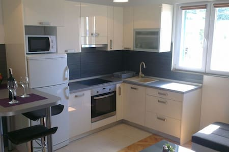 Modern A4  apartment near beach - Makarska - Wohnung