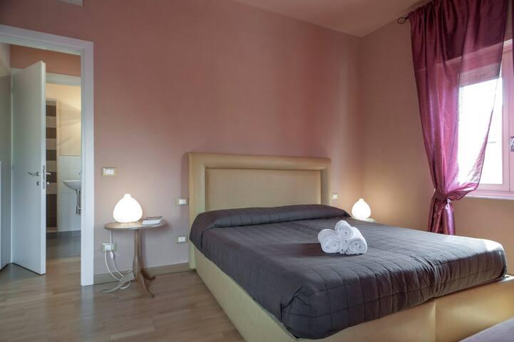 Casa con tre appartamenti 16 posti parcheggio Wifi - Lucca - Talo