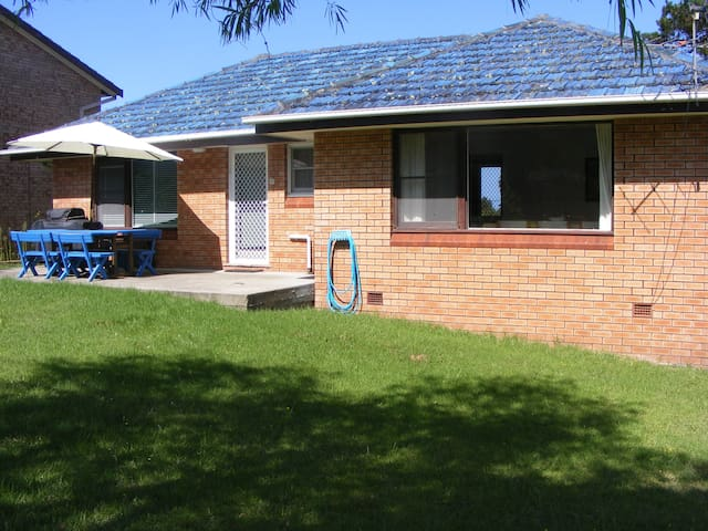 Mountain View - comfy, budget house, scenic views - Tuross Head - Huis