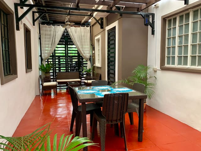 Mayon Homes 1 - Cozy 1BD w Sun Room (FREE Wifi)