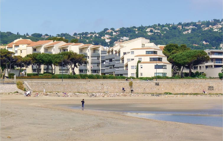 Holiday apartment with 1 room on 32m² in Sète