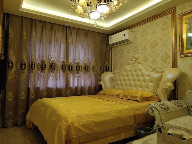 站前【东明欧式豪华公寓】