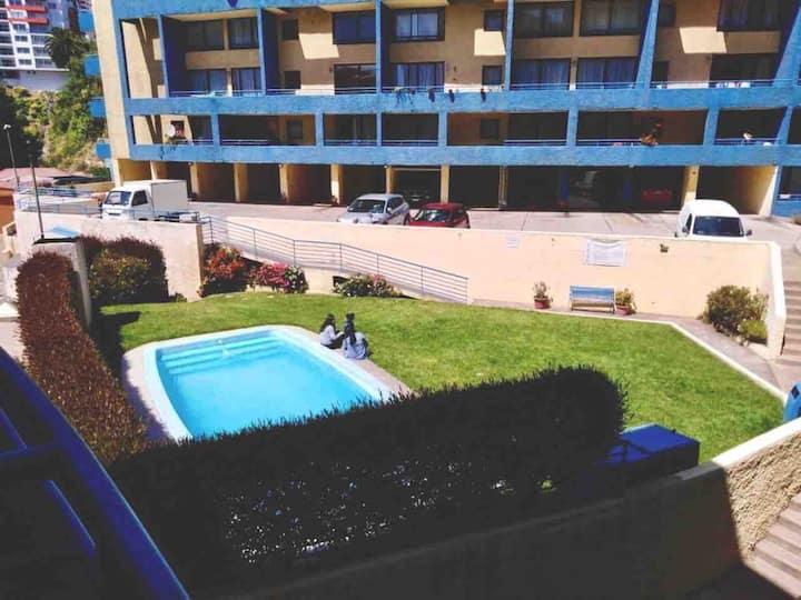 Departamento central, locomoción 24 hrs, piscina