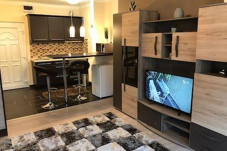 Igényesen felújított és berendezett lakás - Salgótarján - Serviced flat