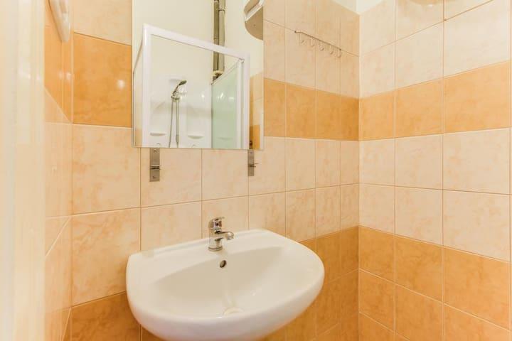 Pop Up Hostel Prague - Triple room