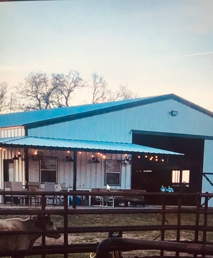 The Roost bed & breakfast + Horse Stalls