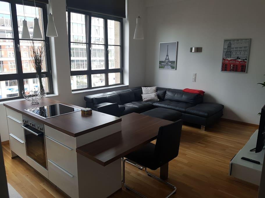 moderne hochwertige loft in bester lage lofts zur miete in frankfurt am main hessen deutschland. Black Bedroom Furniture Sets. Home Design Ideas