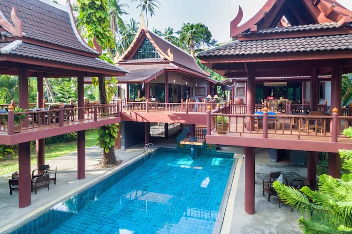 6 BRM villa & private pool, 3 mins to the beach!