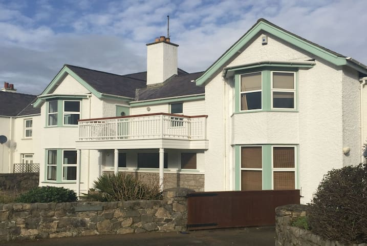 Beach House Apartment 403485 - Rhosneigr - Ev