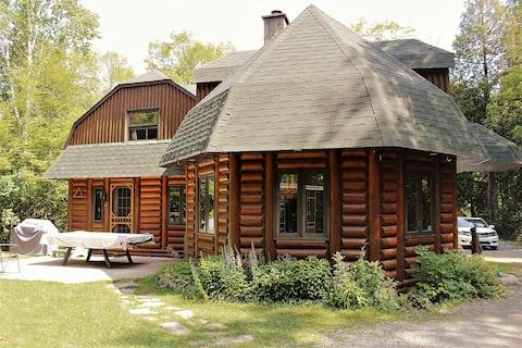 Log cottage of lake Marielle