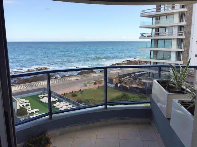 Lindo apto 2 dormitorios, terraza al mar y garage