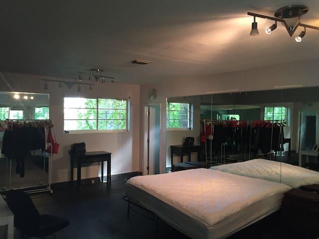 Miami Beach rooms for rent - Miami Beach - House