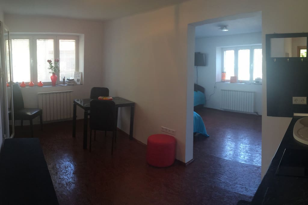 General view. 2 rooms- one space
