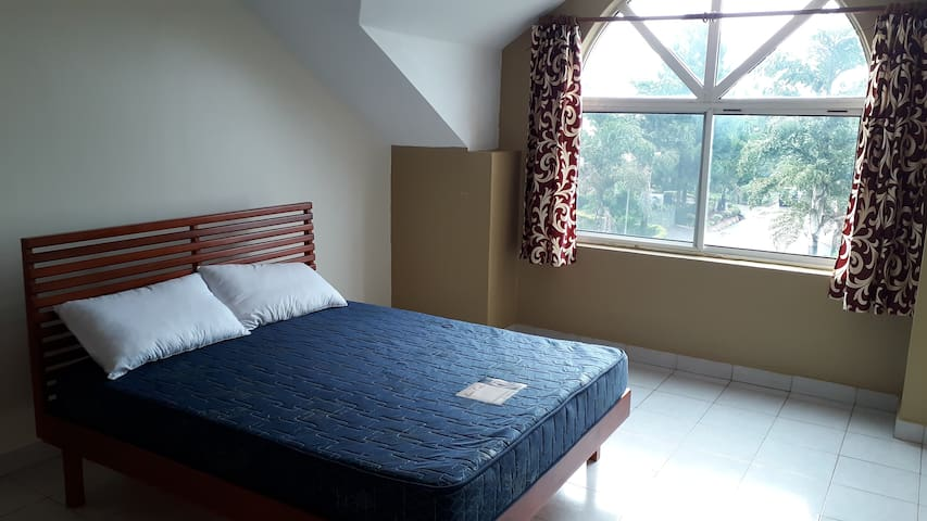 Royal Palms Estate 3bedroom furnished house