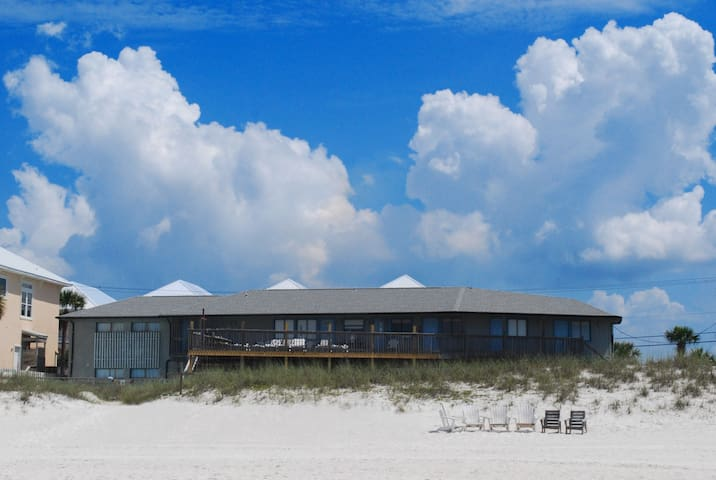Surfside Family Bunkhouse Suite 3 - On the Gulf!