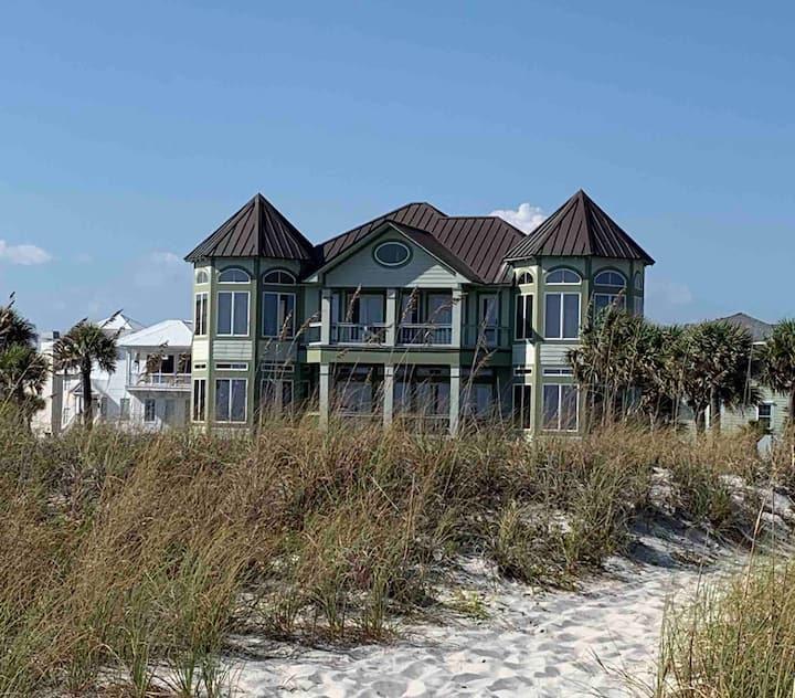 Luxury beachfront, pool, gated, granite, open.