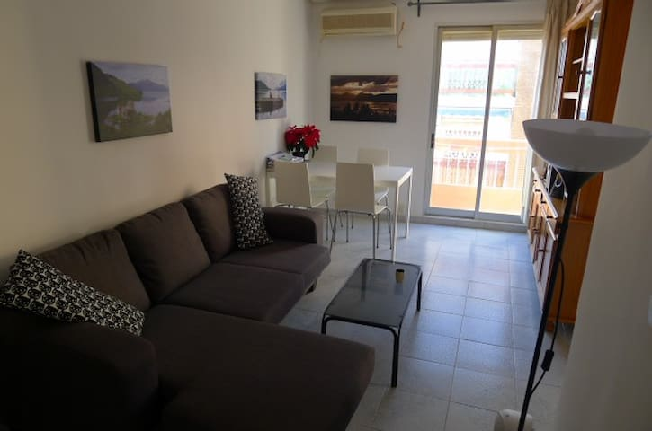 2 Bed Apartment, Great Location, 400M from Beach - València - Apartemen