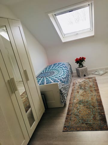1 Room in Apartment near Airport