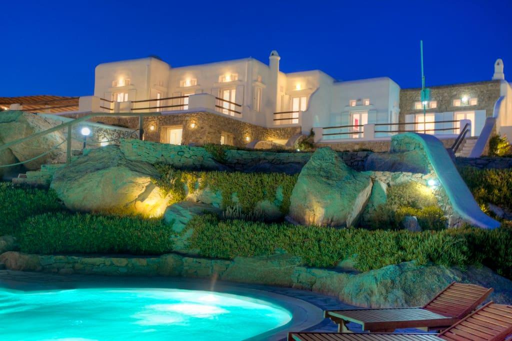 Super Paradise Villas Complex