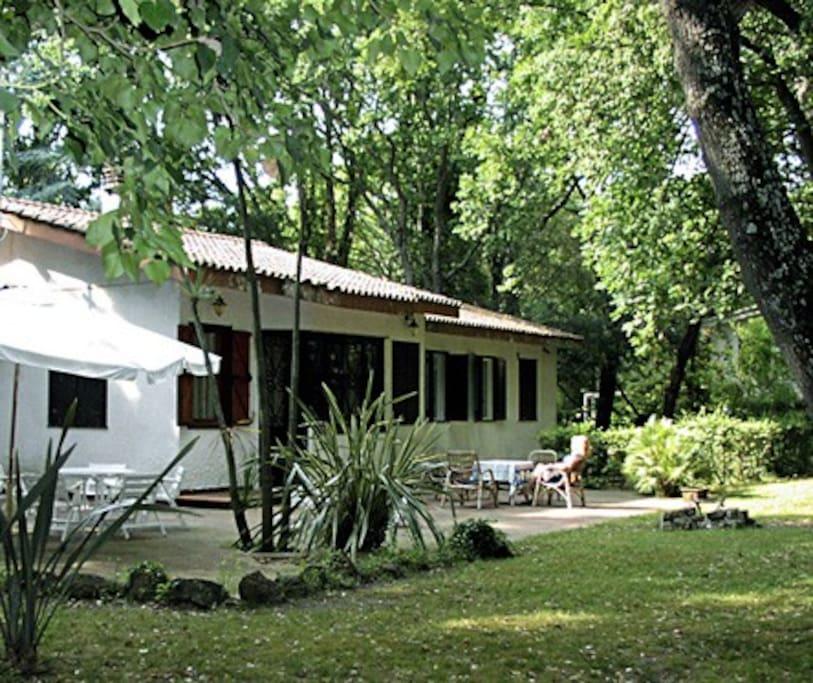 Retro della villa, area esterna