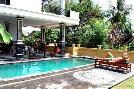 NICE B&B ,LARGE CLEAN ROOMS CANGGU! - North Kuta