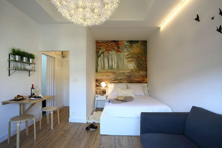 TRENDY STUDIO WITH TERRACE 15 SECS TO THE BEACH - San Sebastián - Wohnung