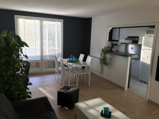 50m² modern apartment near Paris / Disney