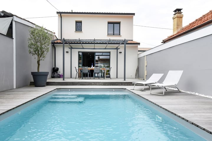 Lovely house with swimmingpool - Bègles - Huis