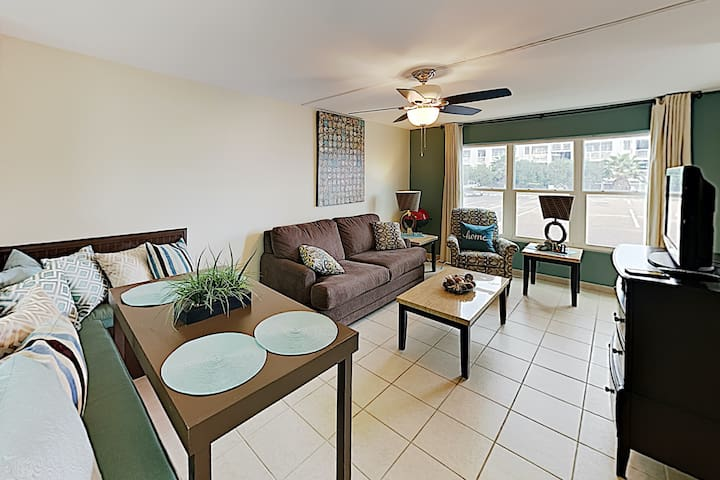 New Listing! Gulf Condo, Steps to Sand & Waterpark