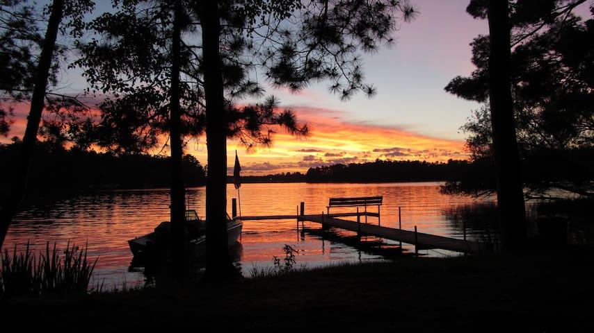 Lake Minocqua!  2 BR In-law Suite, Hot Tub, Dock
