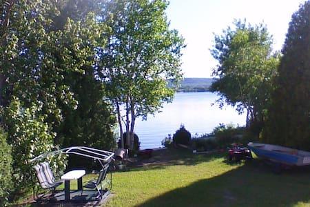 chalet maison bord lac st-jean Chambord - Chambord