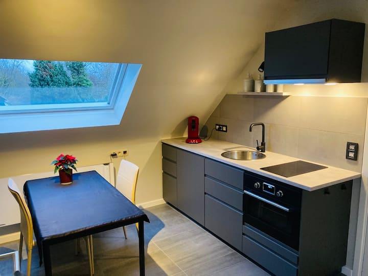 Splinternieuwe studio met privéterras